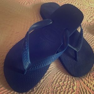 Blue Havianas flip flops